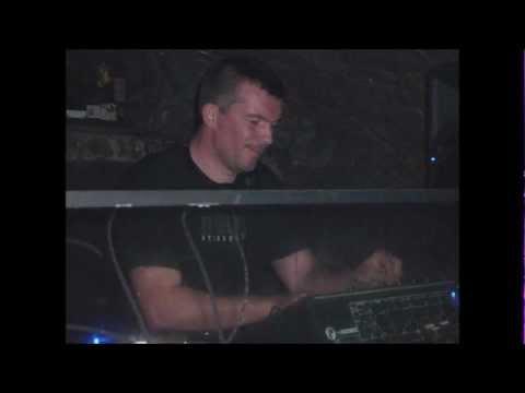 D.A.V.E. The Drummer – Techno Mix (2003)