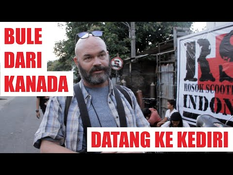 Canadian Photograper Came To Indonesia For Extreme Vespa | Photografer Dari Kanada