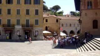 preview picture of video 'Massa Marittima - 360° Panorama View Piazza Garibaldi'