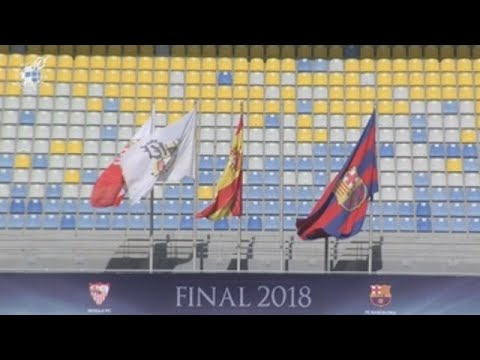 Barcelona y Sevilla se juegan el primer título de la temporada