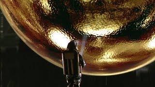 """海底太空船中有一个神秘金球,进去的人都有了""""梦想成真""""的超能力!速看科幻悬疑电影《深海圆疑》"""