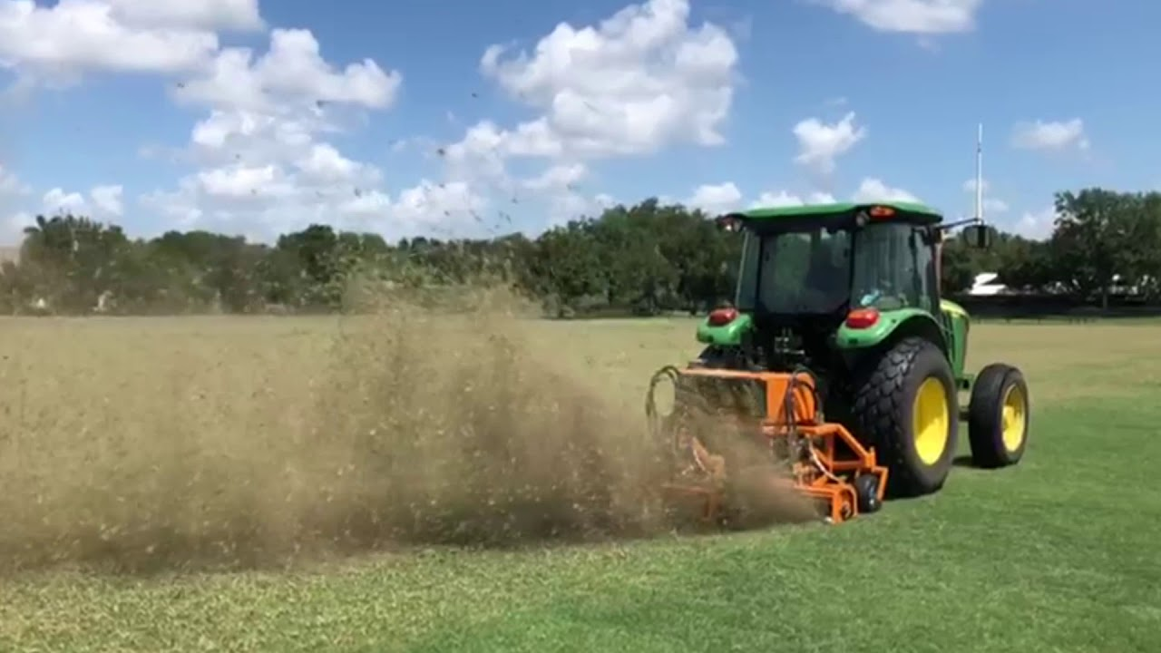 SISIS Veemo HD Scarifier in action