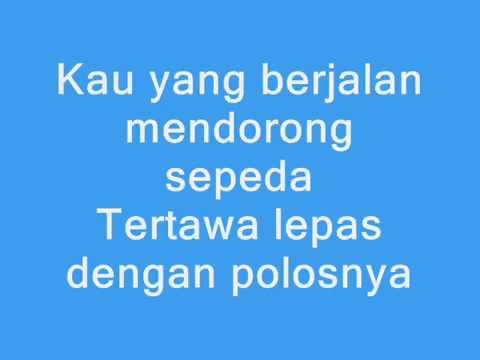 JKT48 - Gingham Check ( Cinta Kotak - Kotak ) Lyrics Mp3