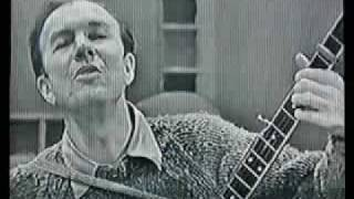 Pete Seeger shows how to play - Skip to my Lou the banjo.