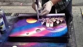 Смотреть онлайн Художник рисует офигенную картину баллончиками