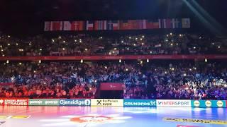 (Croatia - Serbia) / Mate Miso Kovac - poljubi zemlju / EHF Euro 2018 / Cheering