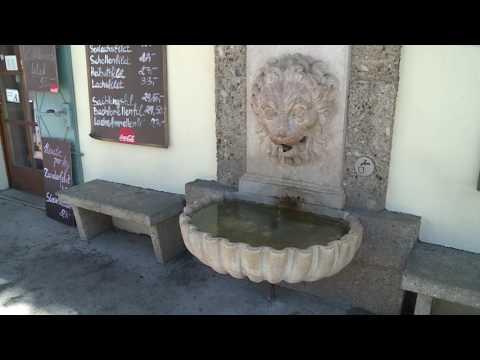 Löwenkopf-Brunnen beim Fischkrieg am Hanuschplatz HD Salzburg AG TV