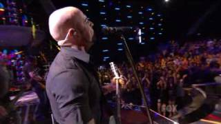 Daughtry - no surprise ( live at american idol )