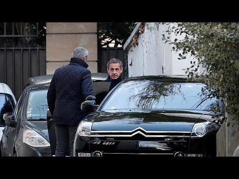Ελεύθερος αλλά υπό διερεύνηση για τρεις κατηγορίες ο Νικολά Σαρκοζί…