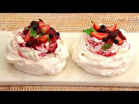 Mini pavlovas de frutos rojos
