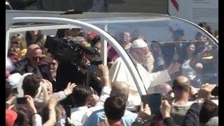 Molfetta, Papa Francesco celebra don Tonino Bello: il VIDEO della visita in Puglia
