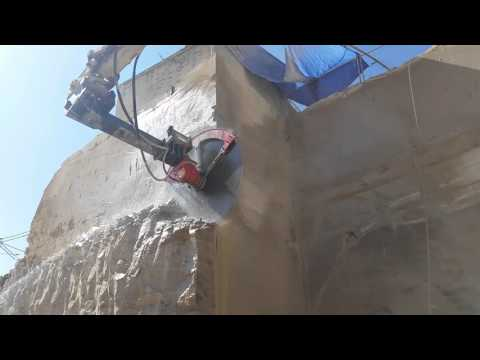 GTS 4 Diamond Saw cutting sandstone with a 2200 mm blade