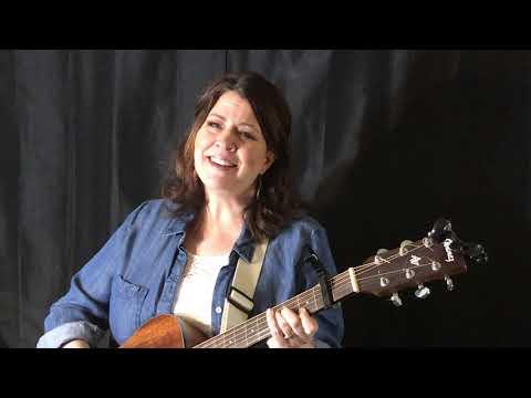 Hire Shannon Hughes - Singing Pianist in San Juan Island