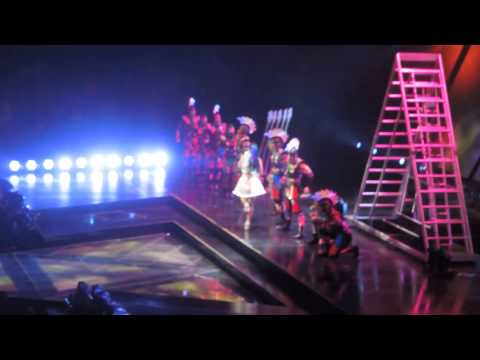 Katy Perry - Roar (Live - The Prismatic World Tour)
