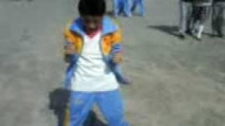 Arturo baila chuchuguagua