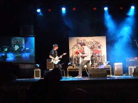 Moist - Devil / rainy day women live and unsigned 2012