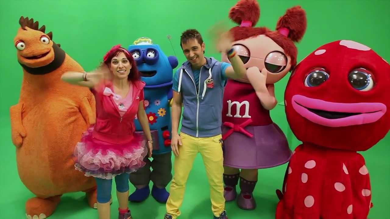 JUAN D y BEATRIZ, saludan a sus amigos de facebook. 2012