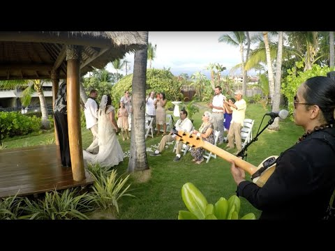 WEDDING SONGS FOR WALKING DOWN THE AISLE - Bula Akamu LIVE!