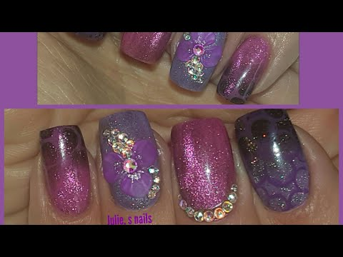HOLOGRAPHIC CHAMELEON CAT EYE NAILS WITH 3D FLORAL