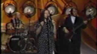 10000 Maniacs & Natalie Merchant - Trouble Me - Live