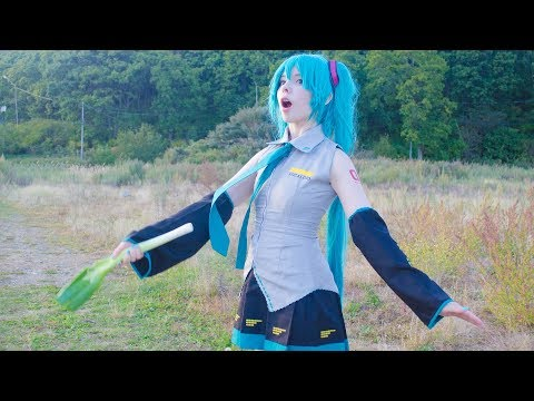 This Russian Cosplayer Is Making Japan Crazy! Watch Her Dance Like Hatsune Miku Here