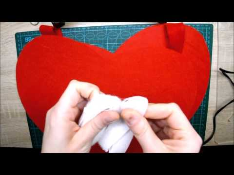 Disfraz de corazón con fieltro || La Casita de Gominolas