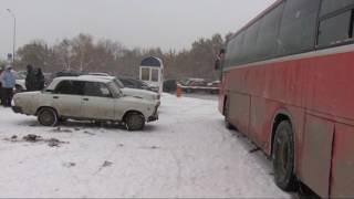 Автобус переехал девушку на автовокзале около ДС Юность