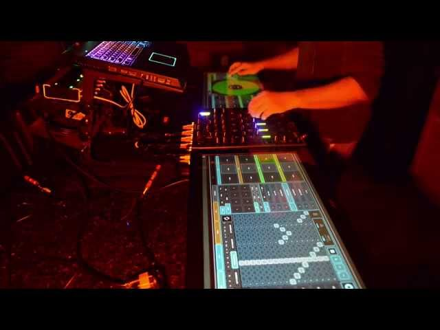 "Controlling Traktor with 2 23"" Touch Screens, Lemur and Traxus Control Traktor"