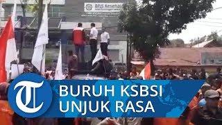 Tolak Kenaikan Iuran BPJS, Ratusan Buruh KSBSI Gelar Unjuk Rasa di BPJS di Pekanbaru