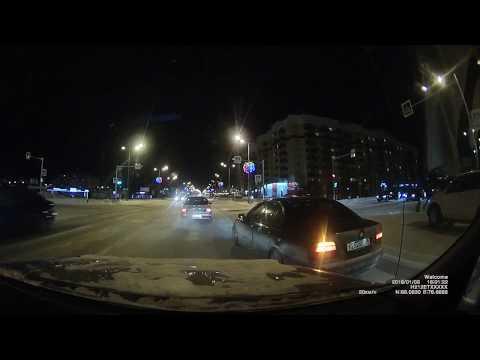 Водитель BMW при повороте не пропустил встречный автомобиль