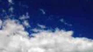 preview picture of video 'Nuages 29 juillet 2007'