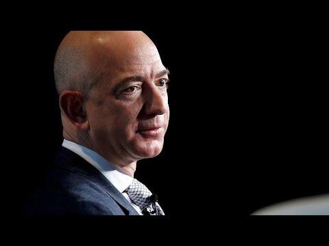 Εκβιάζουν το αφεντικό της Amazon με αποκαλυπτικές φωτογραφίες…