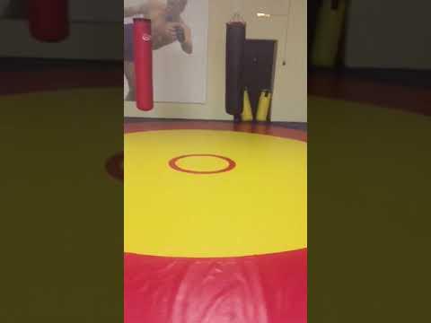 Борцовский ковер с кругами и снаряды от SportPanda