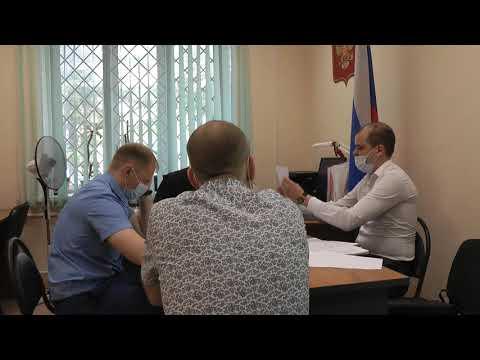Рассмотрение дела в отношении государственного жилищного инспектора Тигина Николая Анатольевича.