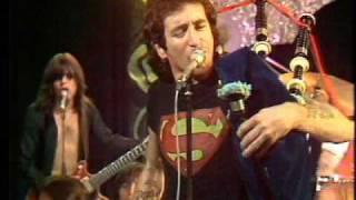 (AC/DC)-Its a long way to the top, if You want to Rock&Roll