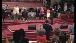 WE SHALL WEAR A ROBE & CROWN : JIMMY SWAGGART MINISTRIES
