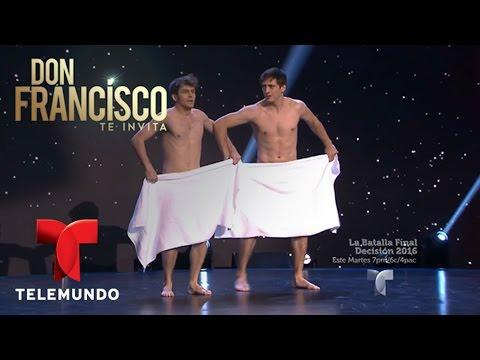 Don Francisco Te Invita | Hombres desnudos hacen trucos con toallas | Entretenimiento