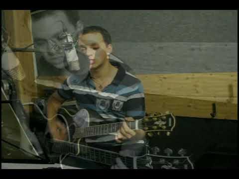Alicia Keys/Jordin Sparks/Black Eyed Peas/Bon Jovi (acoustic medley)