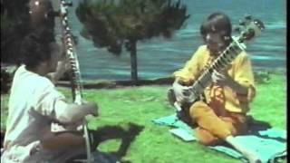 Ravi Shankar teaches George Harrison how to play sitar 1968 (Rishikesh, India HQ RARE)