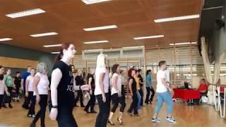 Simple   Line Dance   By Patrick Hering (Demo)