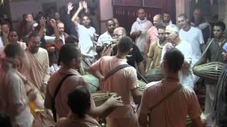 2013 Prabhuji Dancing – Radhe Kunj