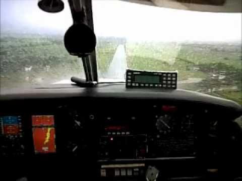Toque y despegue en Tuluá Escuela de Aviación del Pacífico Ltda