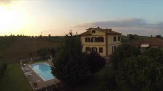 preview picture of video 'Agriturismo Cetine Vecchie'