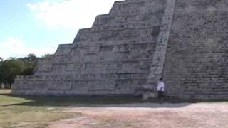 preview picture of video 'Chichen Itza : Sound of Bird and Snake'