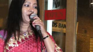 Hashi Rani : Thumi Raith Aisho Poraner Bondhu.