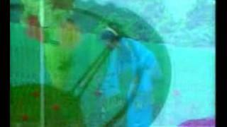 Download lagu Mengapa Kau Menangis Sundari Soekotjo Mp3