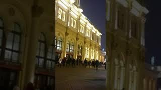 Комсомольская площадь или Трех вокзалов. Здесь людской поток никогда не истекает. Москва, Сегодня