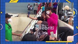 Ria Ricis Buru Buru Keponakannya Ultah, Harris Vriza Foto Foto Dengan Fans