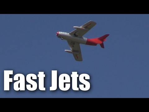fastlow-jet-flypasts-at-tokoroa-2017
