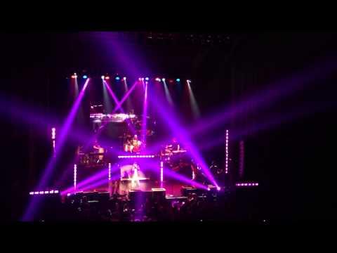 Guns N Roses - Mr. Brownstone (Live in Montreal)